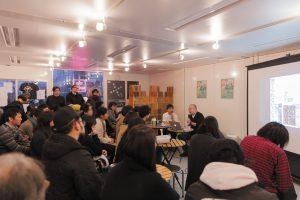 仙台で行われたBGM創刊イベント都築響一トークライブの様子