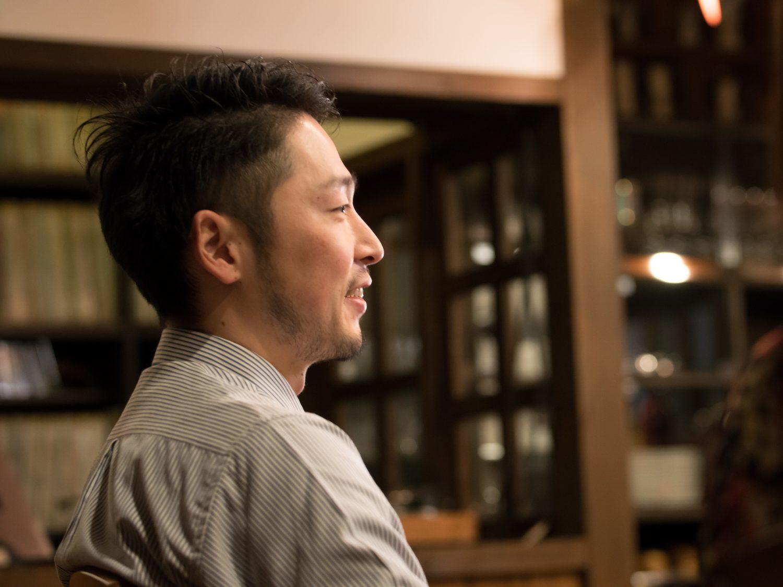 名取のジャズ喫茶「パブロ」のオーナー・村上辰大さんの横顔