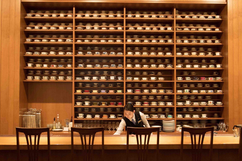 宮城の老舗コーヒー店のホシヤマ珈琲店アエル店の様子