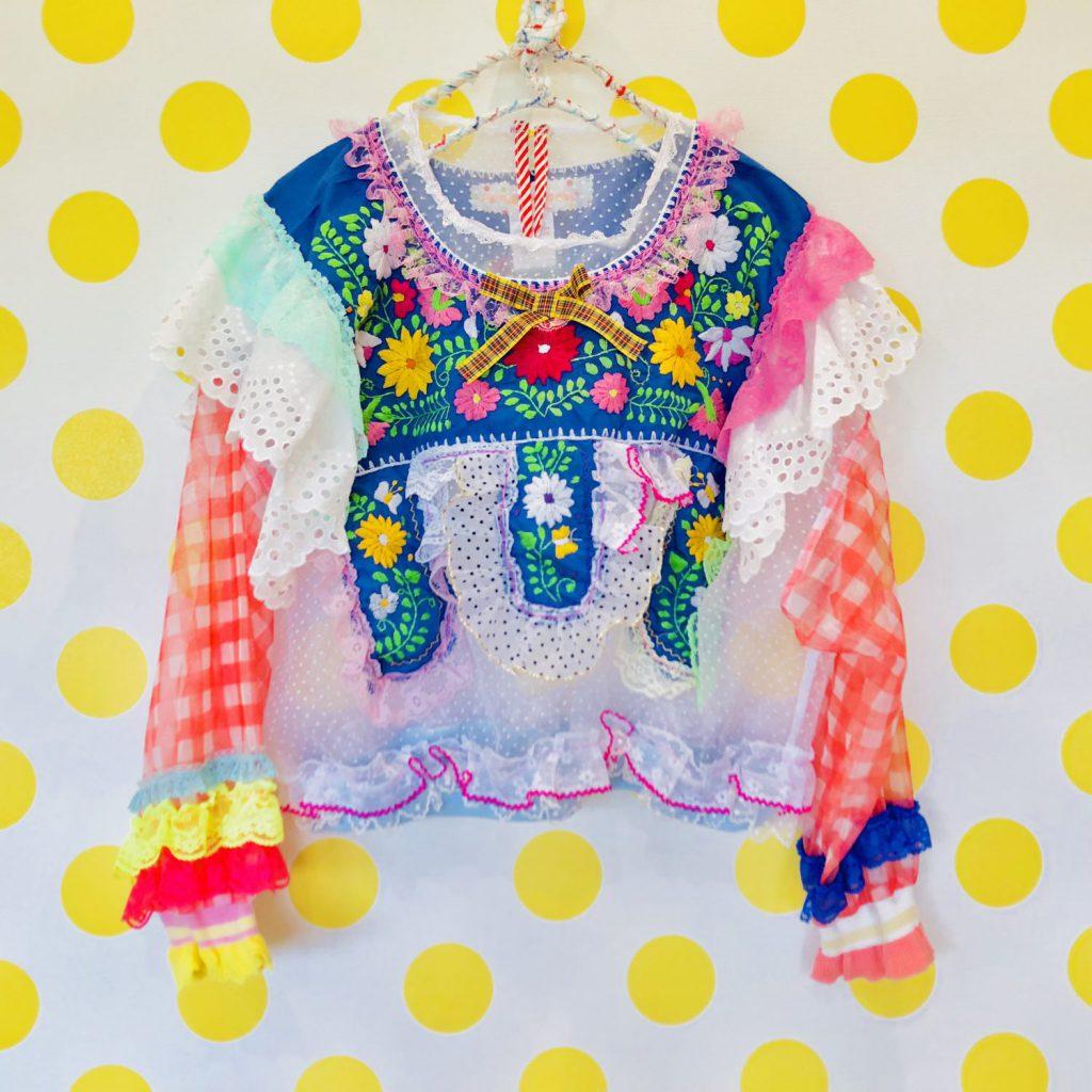 佐藤菜美さんが手掛けるオリジナルブランド「bavard-cadeau」のフリルやレースを使ったトップス
