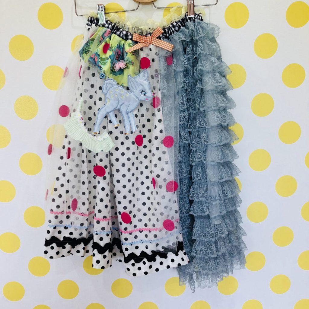 佐藤菜美さんが手掛けるオリジナルブランド「bavard-cadeau」のチュールとレースの重ねが可愛いスカート