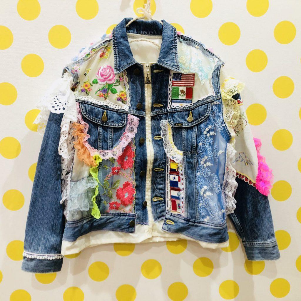 佐藤菜美さんが手掛けるオリジナルブランド「bavard-cadeau」のデニムジャケット