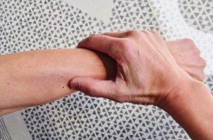 手首の近くにあるツボ「温溜」
