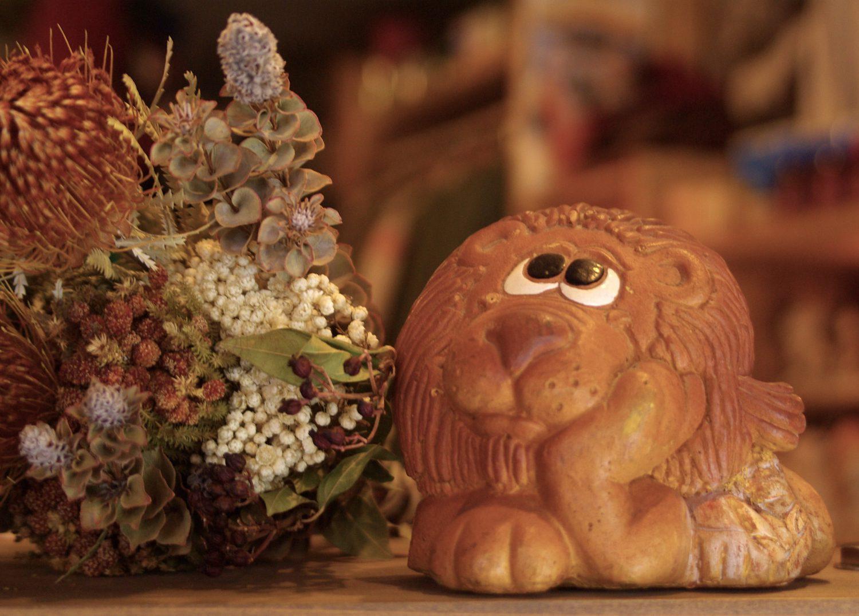 Across The Universe(アクロスザユニバース)で置いているヴィンテージのライオンの置物の写真