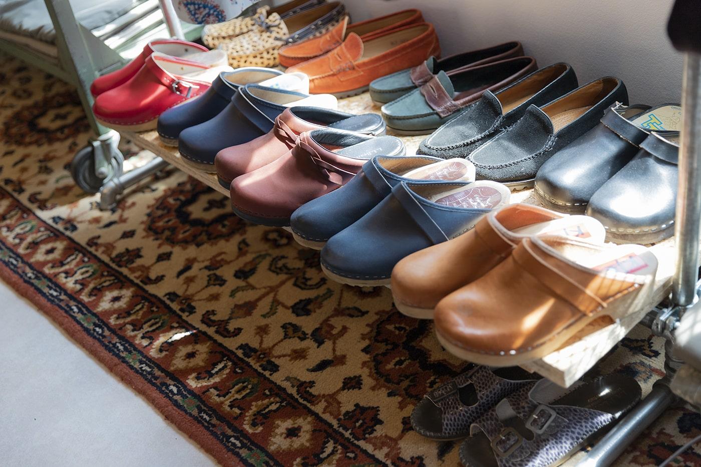 「Beagle」に並ぶ靴