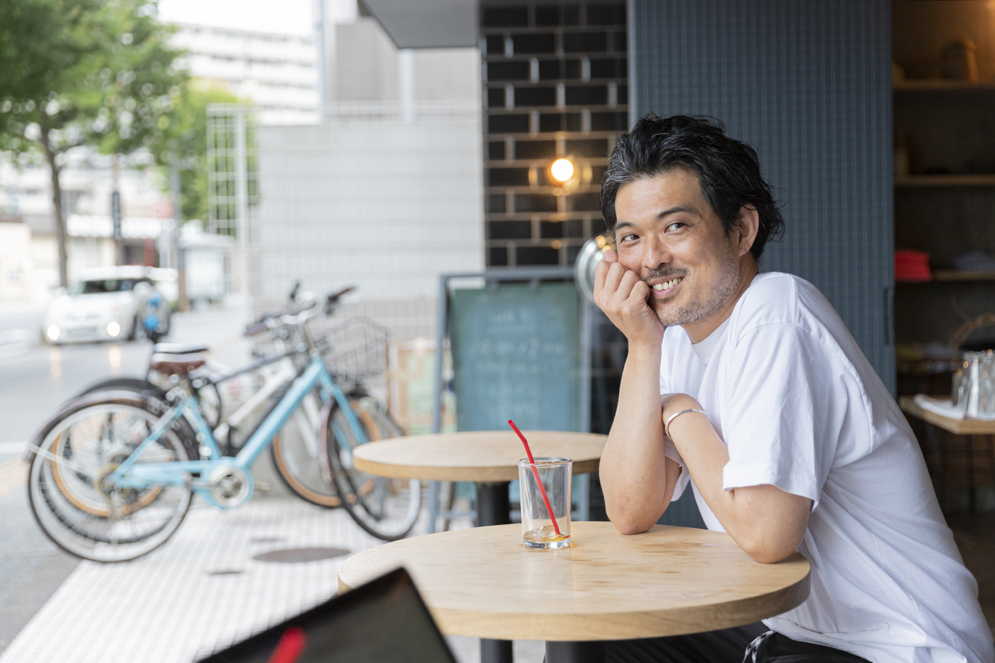 仙台のカフェ「HEY」の和泉さん