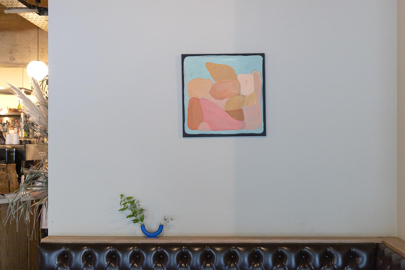 仙台のカフェ「HEY」に飾られてあるポートランドの作家Jess Ackermanさんの絵