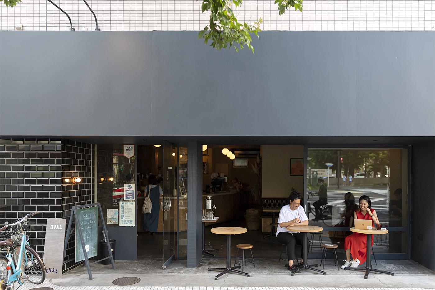 仙台の人気カフェ「HEY」の外観。シックなタイル張りの壁
