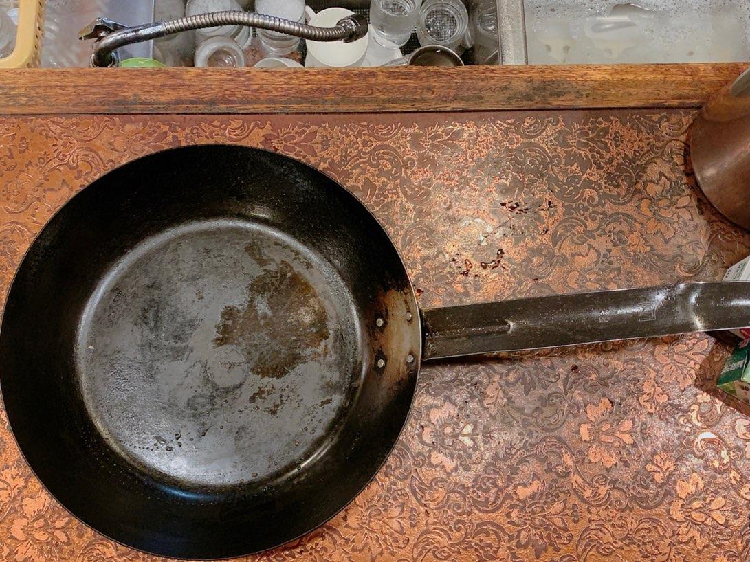 鉄製のフライパン