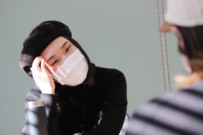 マスク姿の佐藤さん